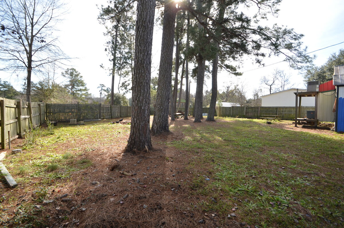 2200 Sq Ft And .32 Of An Acre At A Great Price!! Moncks Corner, SC 29461