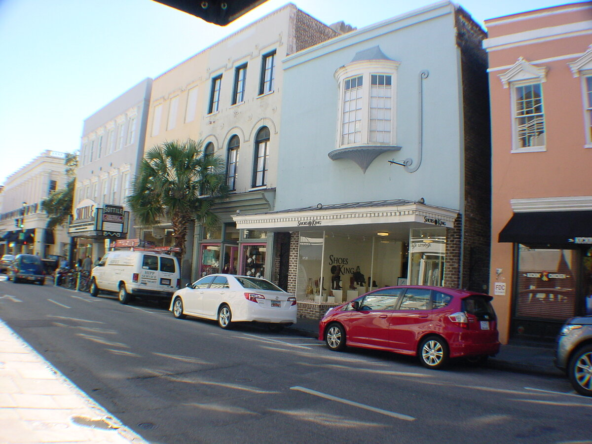 Floor Retail On Popular 300 Block Of King Street Charleston, SC 29401