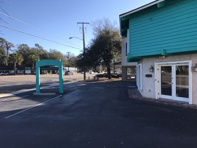 Retail Space On Ben Sawyer Blvd | Sub-lease Opportunity Mount Pleasant, SC 29464