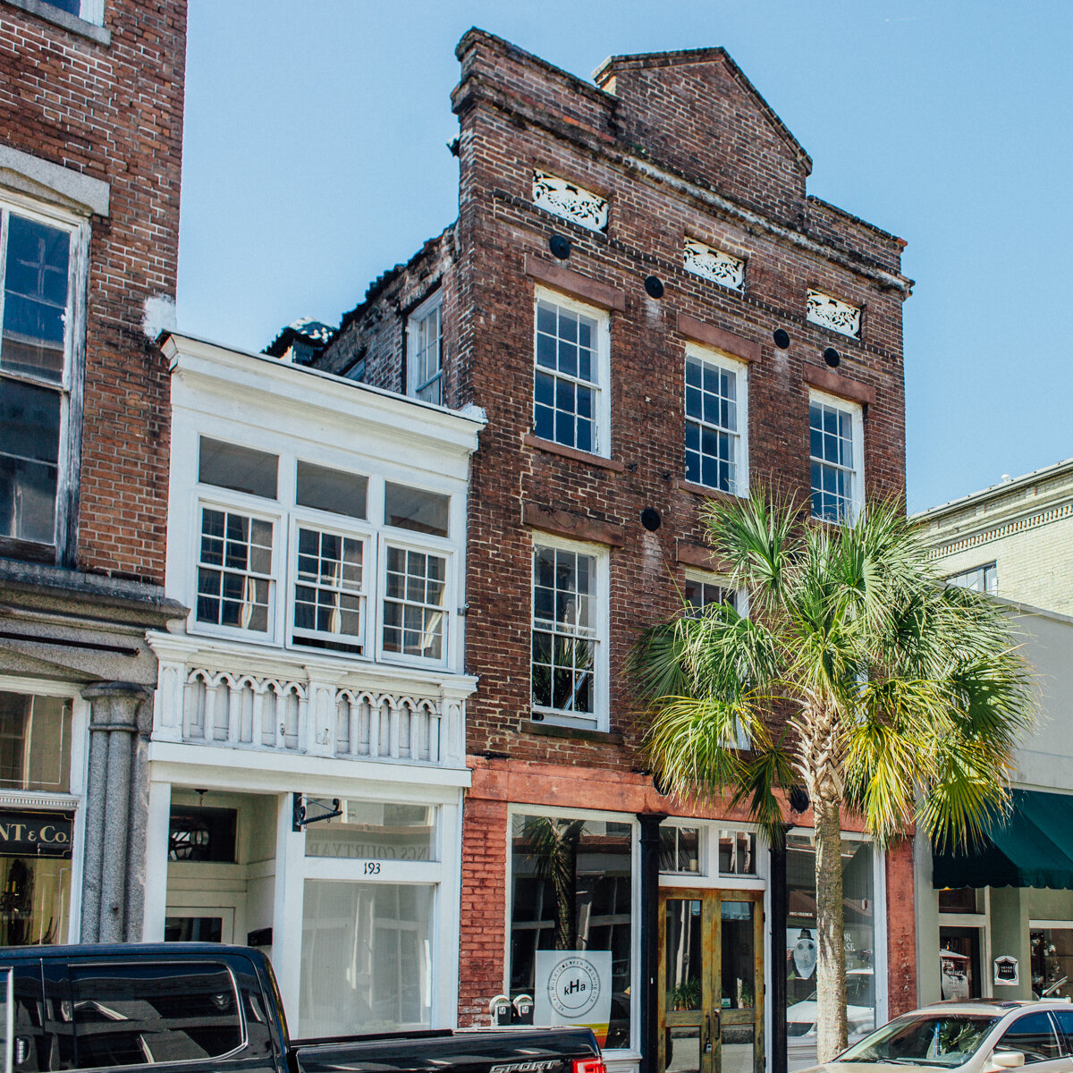 193  King St Charleston, SC 29401