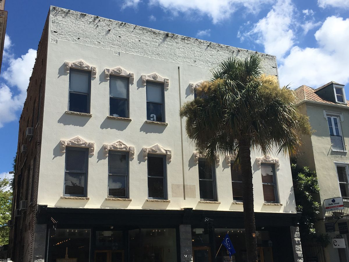58  Broad St Charleston, SC 29401