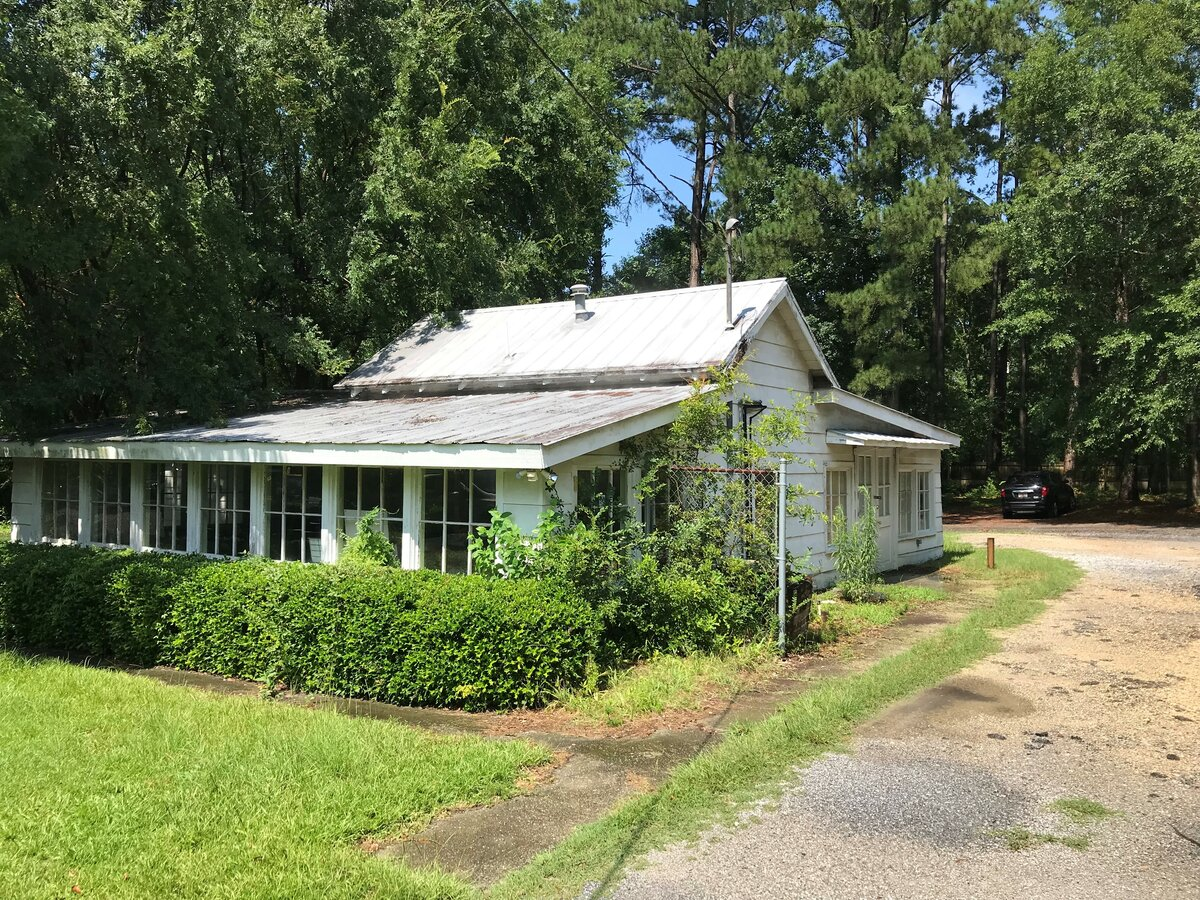 87 Old Trolley Rd Summerville, SC 29485