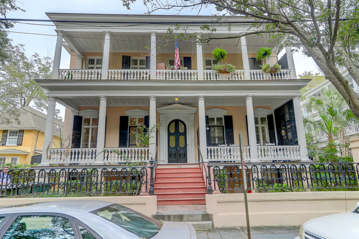 128 Wentworth St Charleston, SC 29401