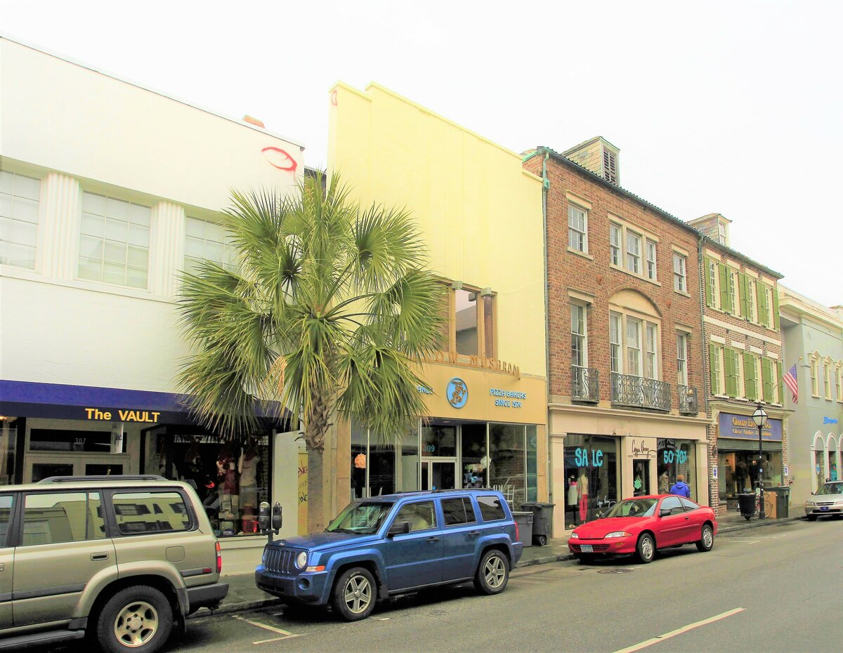 309 King St Charleston, SC 29401