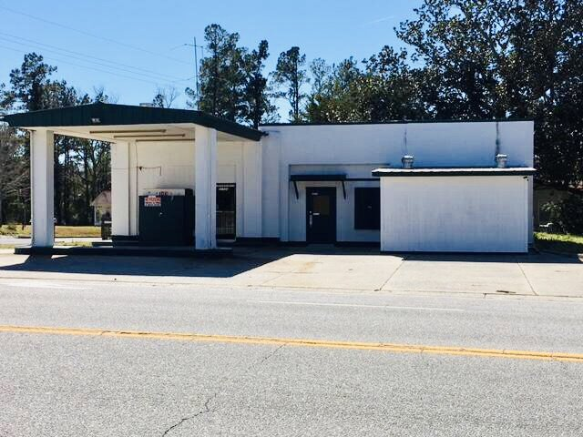 27733 Low Country Hwy Smoaks, SC 29481
