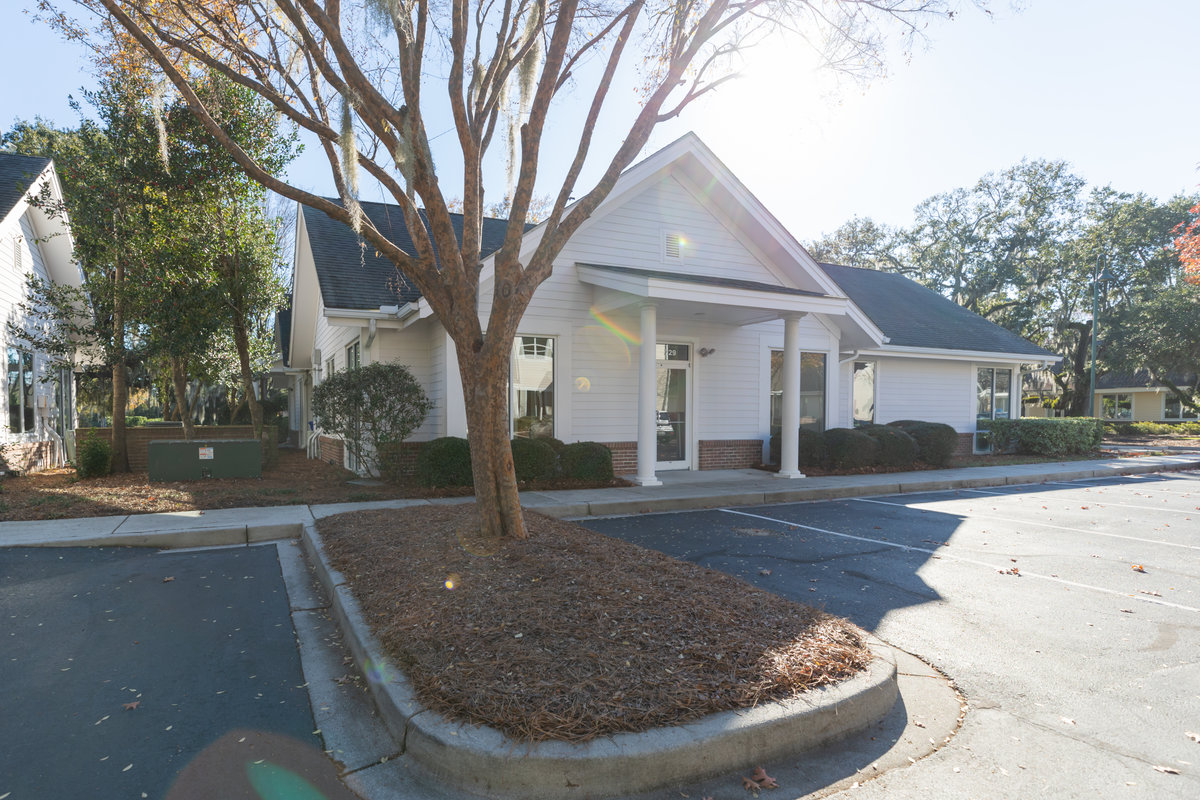 729 Long Point Rd Mount Pleasant, SC 29464