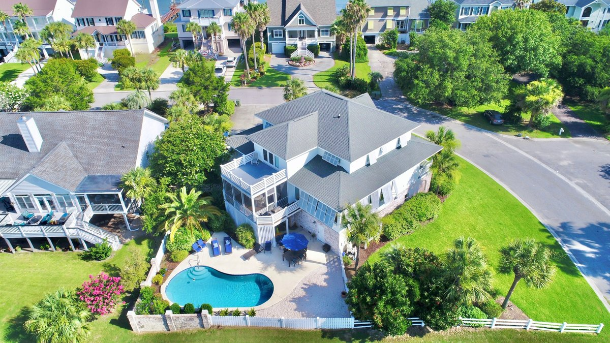 1 Intracoastal Ct Isle Of Palms, SC 29451
